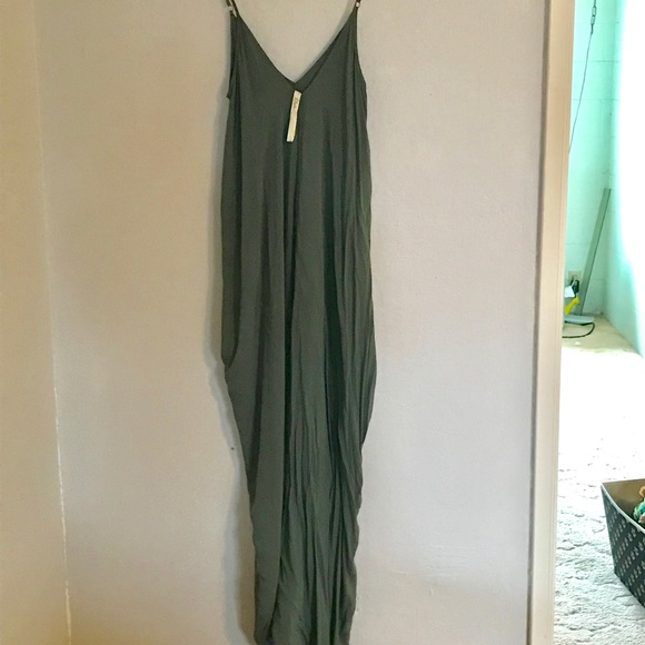 e2f4c4694a Elan Dresses & Skirts - Nordstrom green maxi dress with pockets sz small